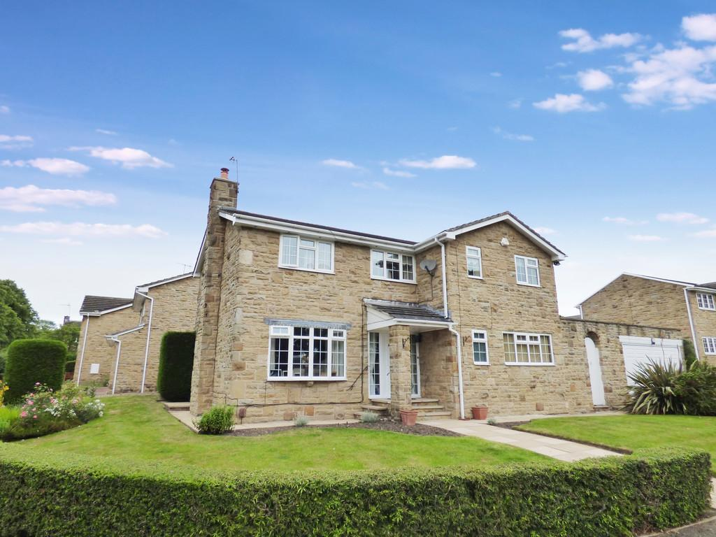 4 Bedrooms Detached House for sale in Bramham Drive, Baildon
