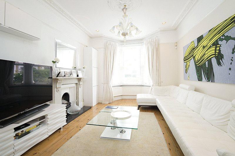 5 Bedrooms Terraced House for sale in Radipole Road, London