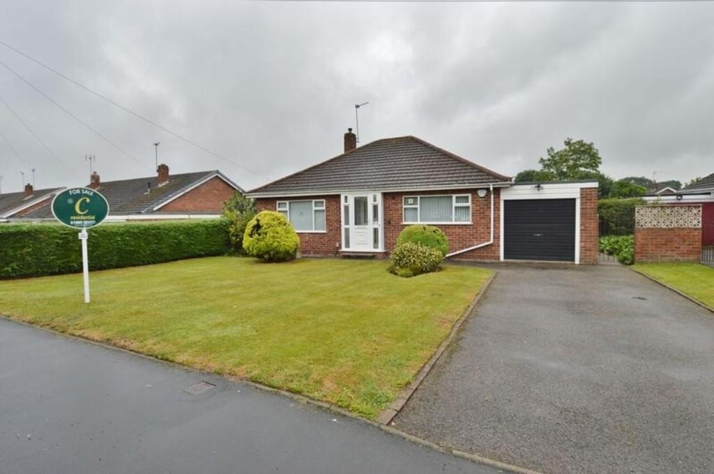 2 Bedrooms Detached Bungalow for sale in Fortescue Lane, Rugeley