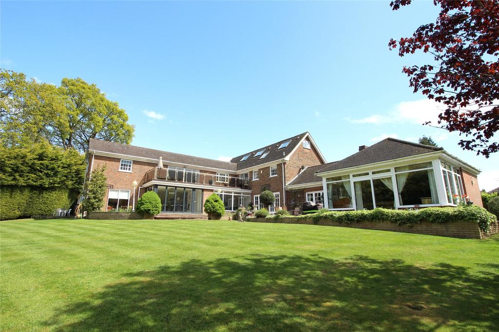6 Bedrooms Detached House for sale in Northcote, Oxshott, Surrey, KT22
