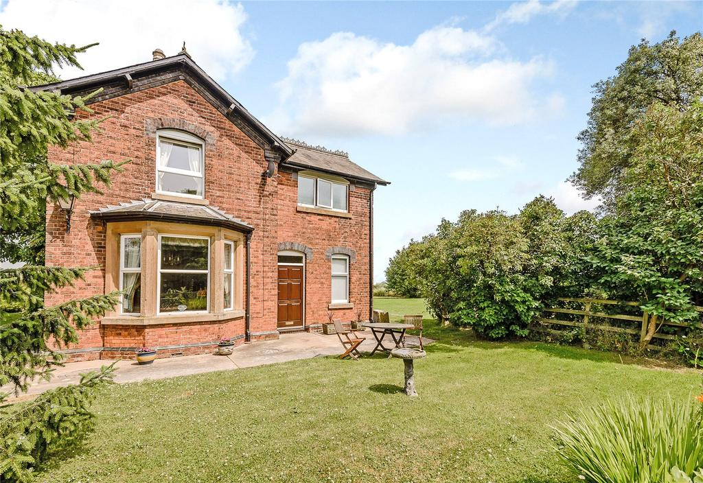3 Bedrooms Detached House for sale in Station Road, Upper Broughton, Melton Mowbray