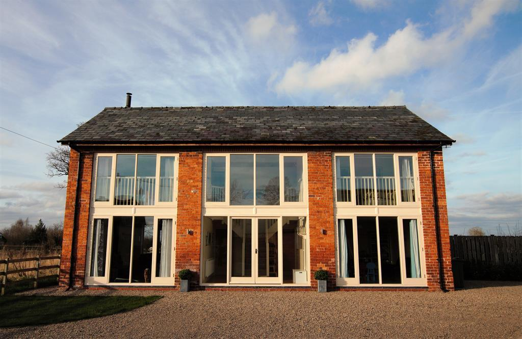 4 Bedrooms Detached House for sale in The Stack Barn, Mulsford Lane, Worthenbury, LL13 0AW