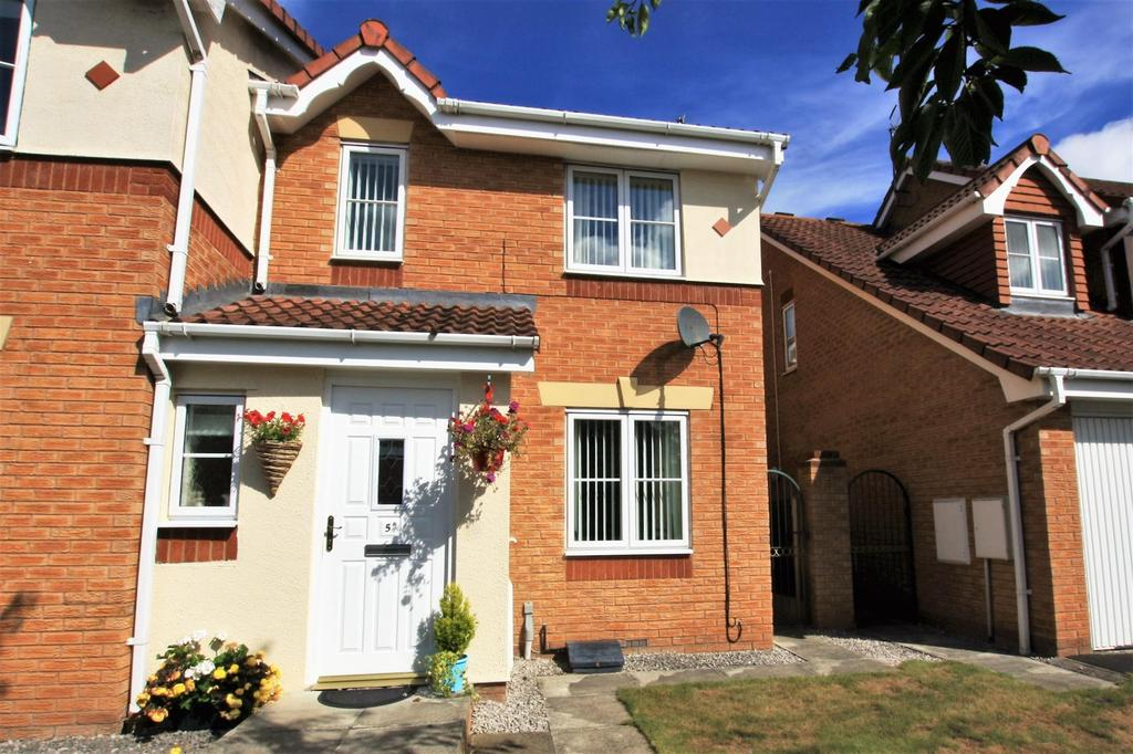 3 Bedrooms Semi Detached House for sale in Newquay Drive, Wrexham, LL13 0JX