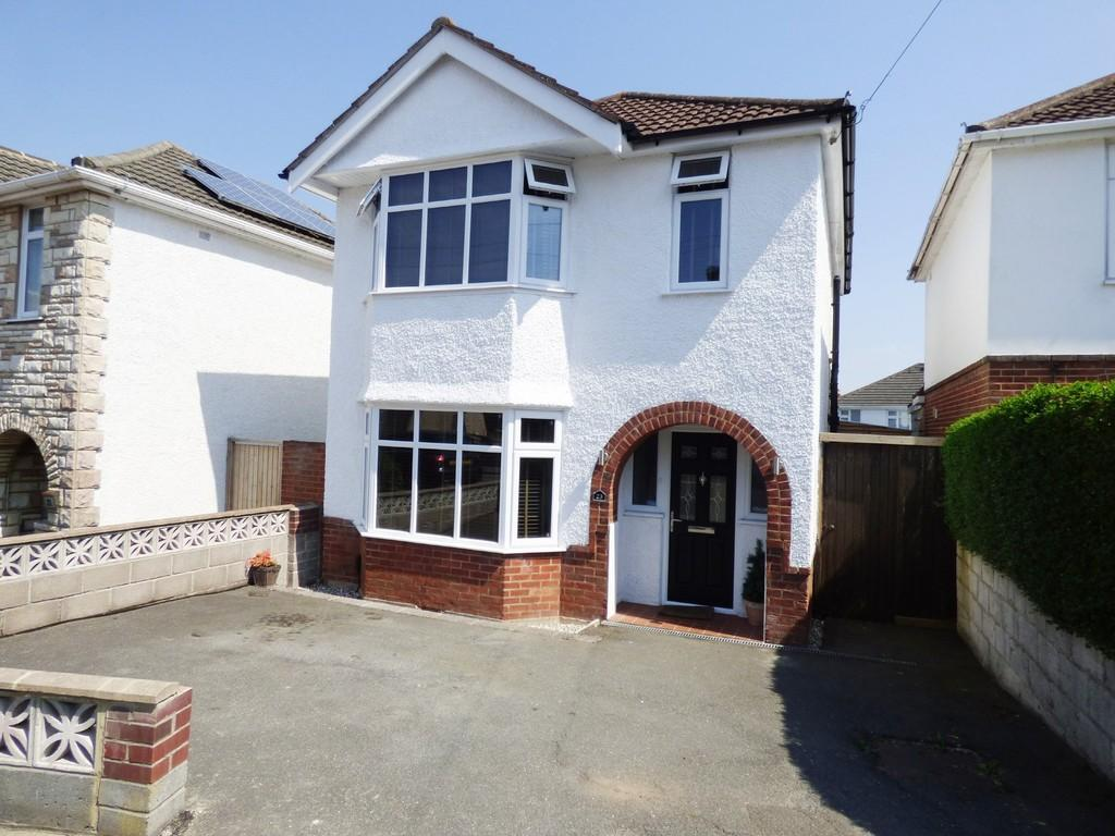 3 Bedrooms Detached House for sale in Lacey Crescent, Poole