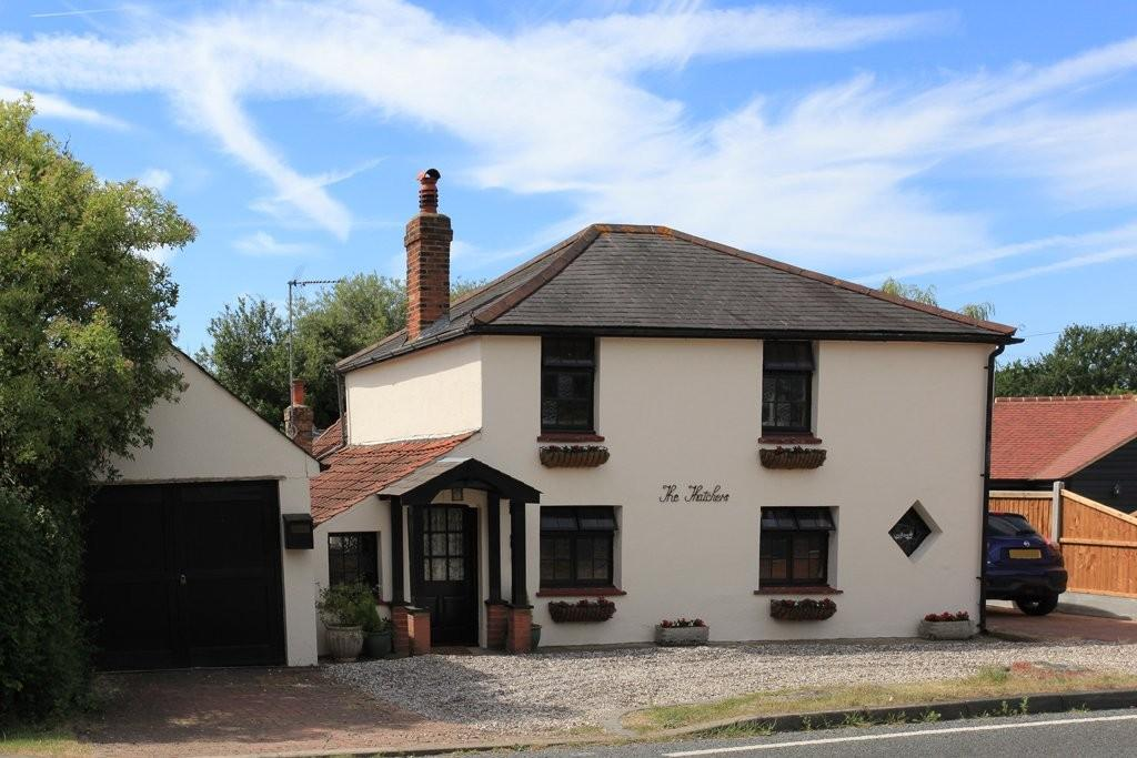 4 Bedrooms Detached House for sale in South Hanningfield Road, Rettendon Common