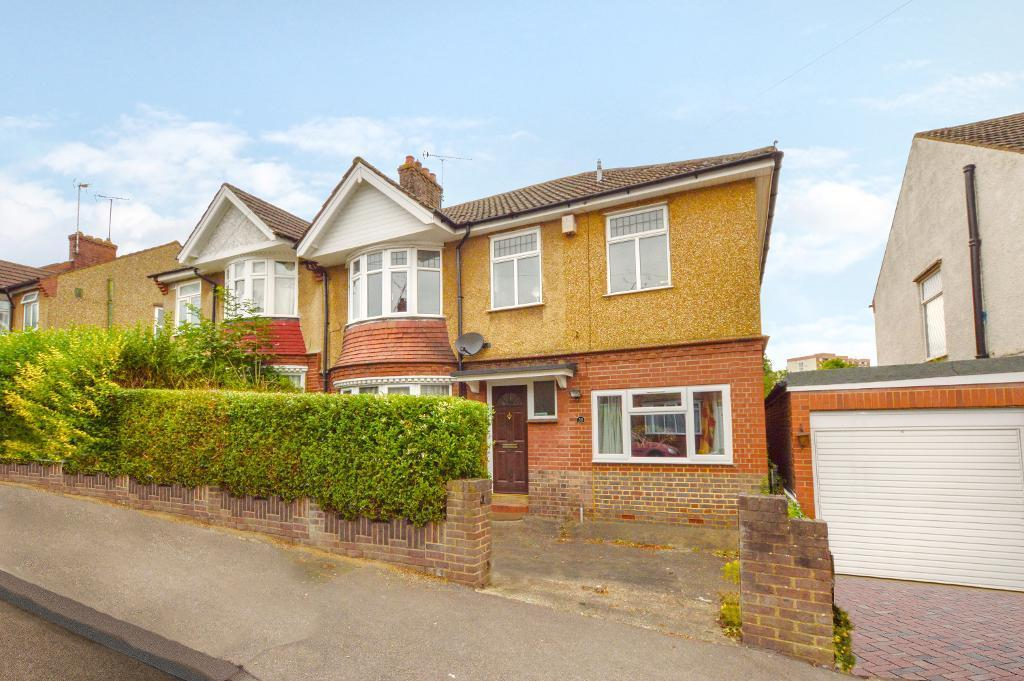 4 Bedrooms Semi Detached House for sale in Alton Road, South Luton, Luton, LU1 3NS
