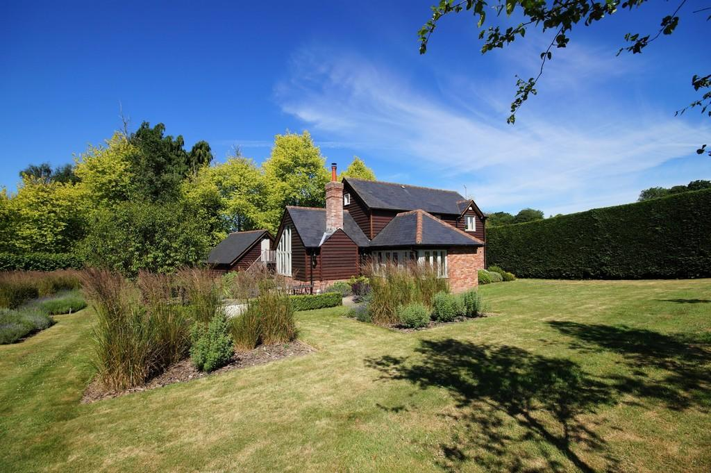 3 Bedrooms Detached House for sale in Conford, Hampshire