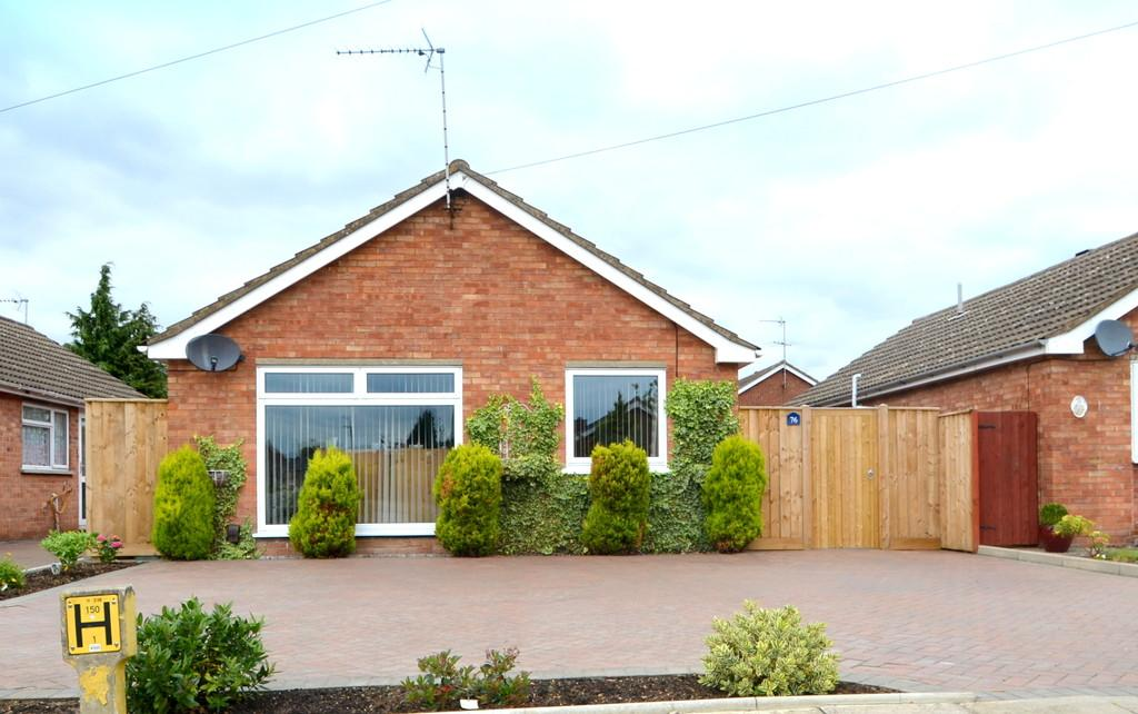 1 Bedroom Detached Bungalow for sale in Epsom Drive, Ipswich, Suffolk, IP1 6RU