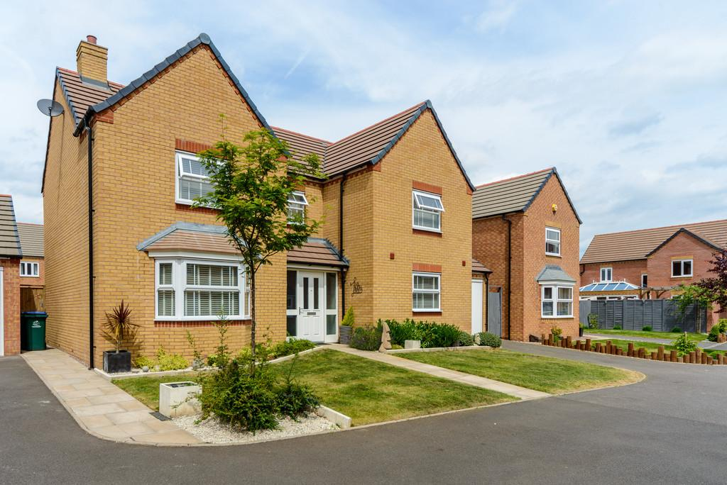 4 Bedrooms Detached House for sale in Heynes Walk, Allesley