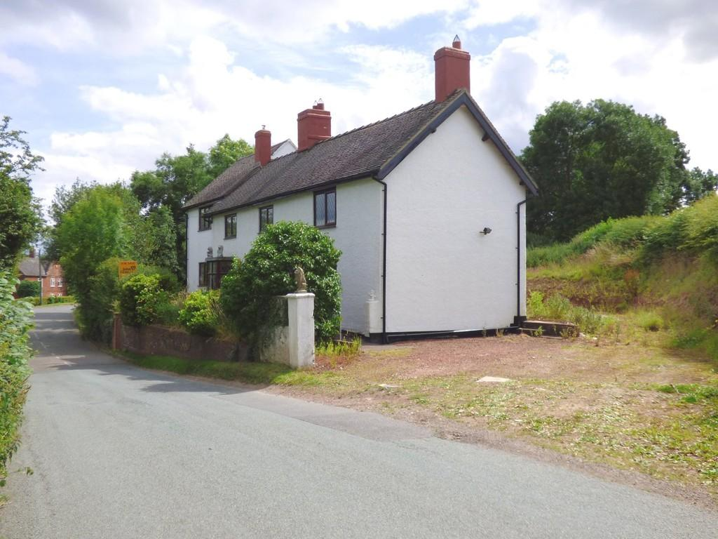 4 Bedrooms Detached House for sale in Sudbury Road, Yoxall