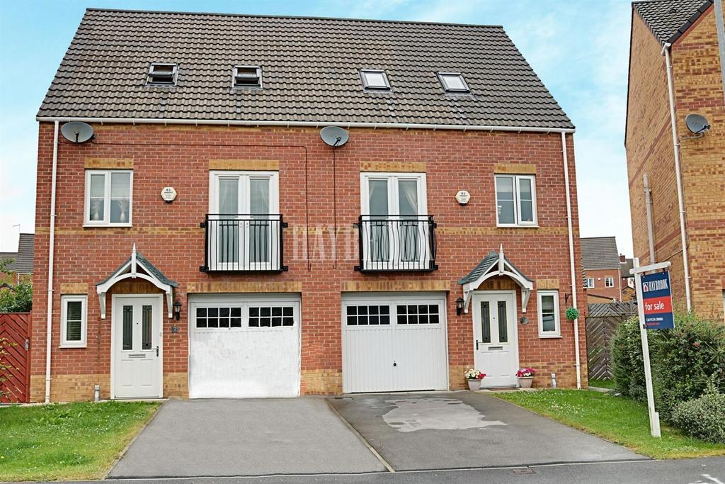 3 Bedrooms Semi Detached House for sale in Eshlands Brook, Monk Bretton