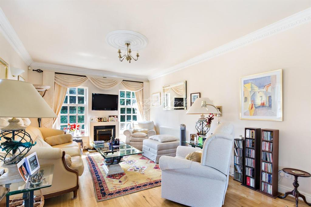3 Bedrooms End Of Terrace House for sale in Mayston Mews, Westcombe Park, SE10