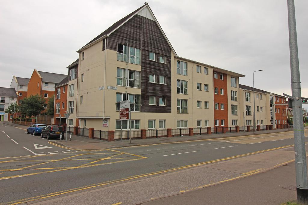 2 Bedrooms Apartment Flat for sale in Lock Keepers Court, Blackweir Terrace