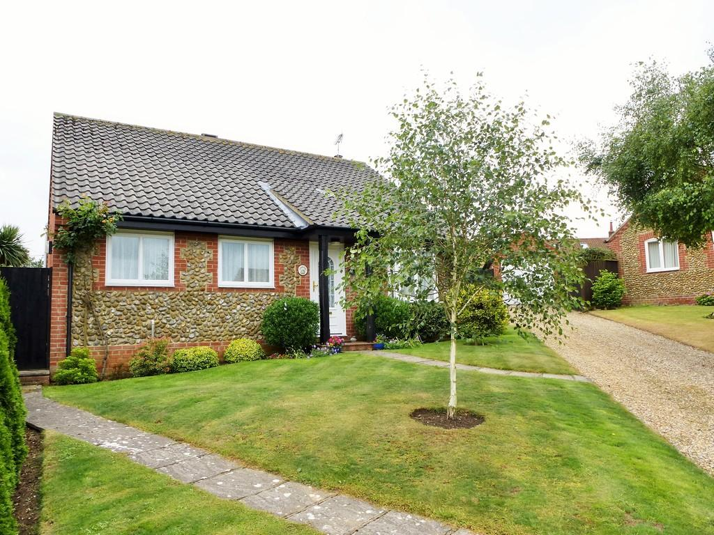 3 Bedrooms Detached Bungalow for sale in Cromer