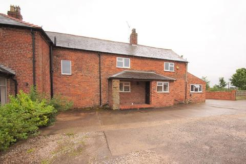 3 bedroom semi-detached house to rent - Borras Hall Lane, Wrexham