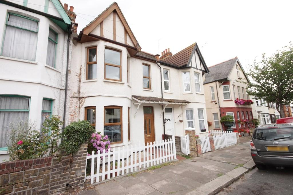 4 Bedrooms Terraced House for sale in Fleetwood Avenue, Westcliff-on-Sea