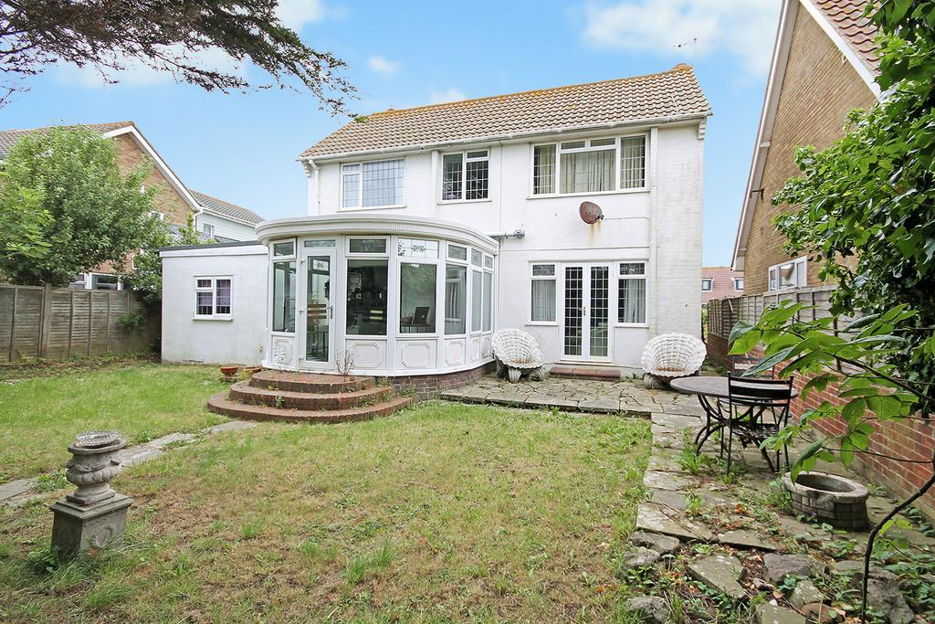 4 Bedrooms Detached House for sale in Beach Green, Shoreham-by-Sea, BN43 5YE