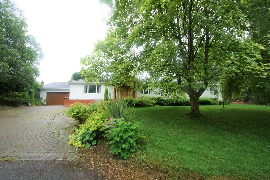 6 Bedrooms Detached Bungalow for sale in Hollow Lane, Colton, Rugeley