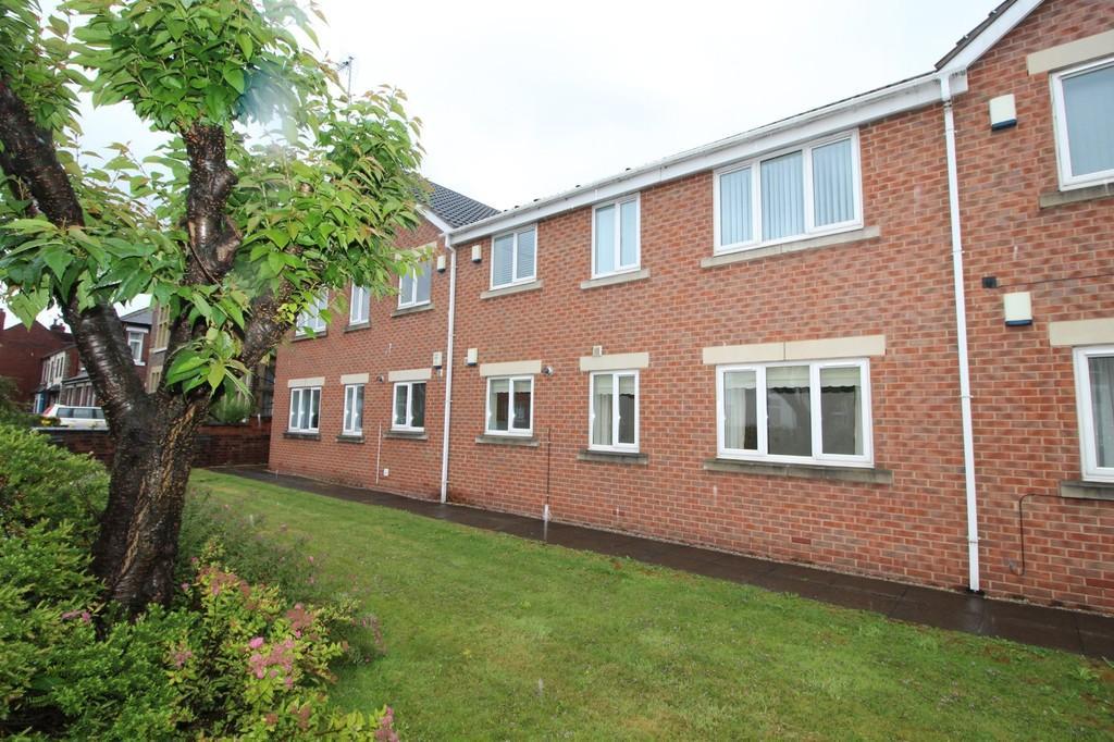 2 Bedrooms Apartment Flat for sale in School Court, Normanton