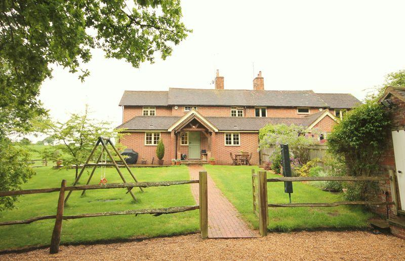 3 Bedrooms Semi Detached House for sale in High Beech Lane, Lindfield, West Sussex