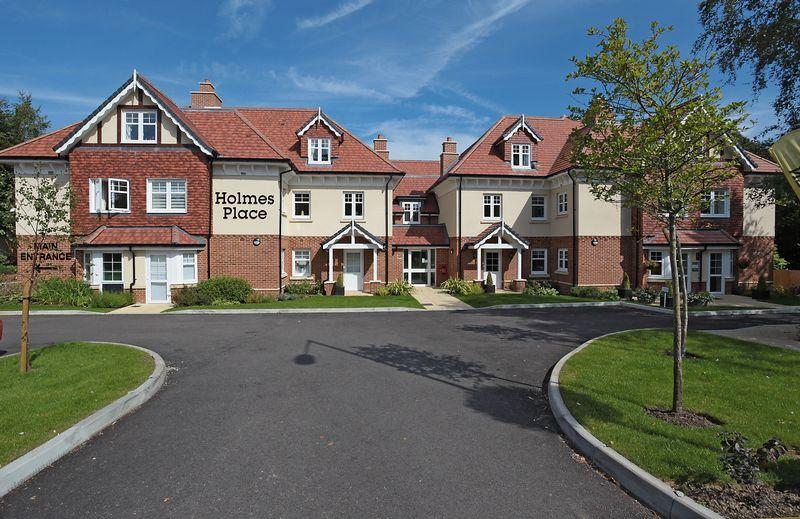 2 Bedrooms Retirement Property for sale in Crowborough Hill, Crowborough, East Sussex