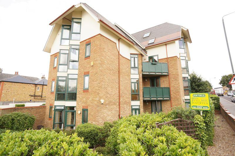 2 Bedrooms Flat for sale in Durham Road, Sidcup, DA14 6LP