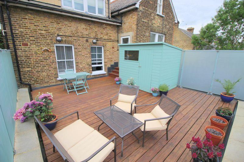 2 Bedrooms Flat for sale in St Johns Road, Sidcup, DA14 4HA