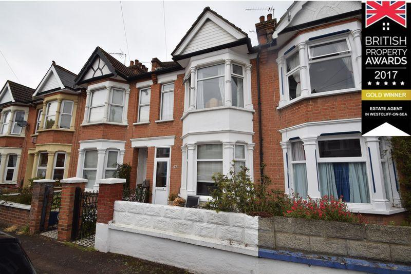 3 Bedrooms Terraced House for sale in Rochford Avenue, Westcliff-On-Sea