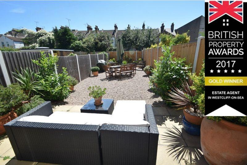 2 Bedrooms Terraced House for sale in Maldon Road, Southend-On-Sea
