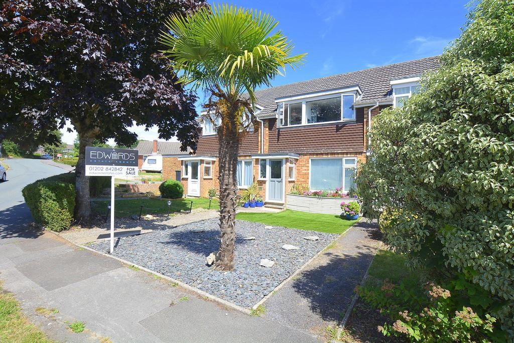 3 Bedrooms Terraced House for sale in Cutlers Place, Wimborne