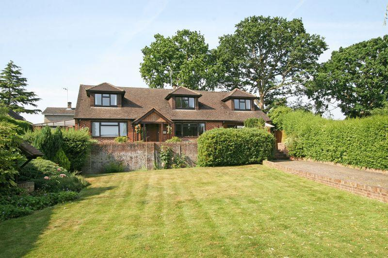 5 Bedrooms Detached House for sale in Beeches Road, Farnham Common, Buckinghamshire SL2