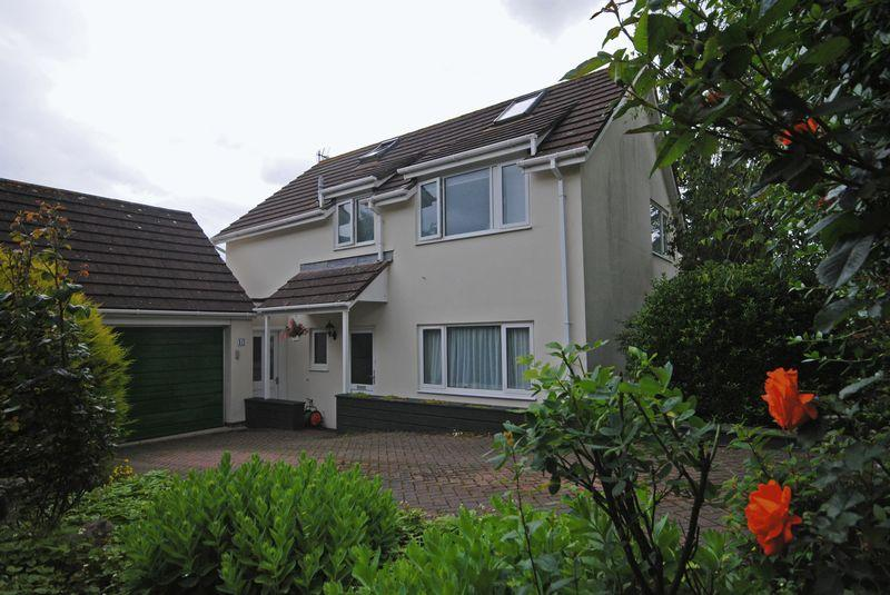 3 Bedrooms Detached House for sale in Pyne Gardens, Exeter