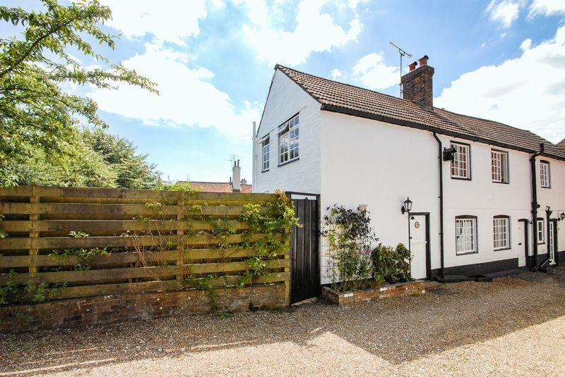 3 Bedrooms Semi Detached House for sale in High Street, Ditchling