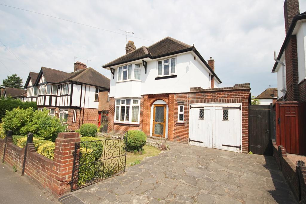 3 Bedrooms Detached House for sale in Stockingstone Road, Off Old Bedford Road , Luton, LU2