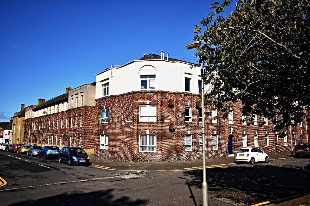 3 Bedrooms Flat for sale in Elba Street, Ayr, South Ayrshire, KA8 0DQ
