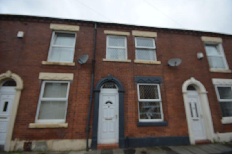 2 Bedrooms Terraced House for sale in Denmark Street, Oldham