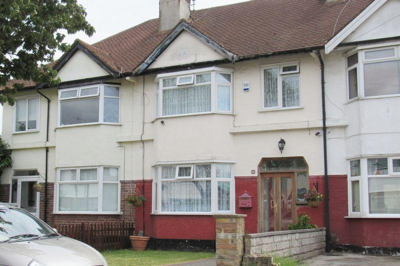 3 Bedrooms Terraced House for sale in St Lukes Road, Southend-On-Sea
