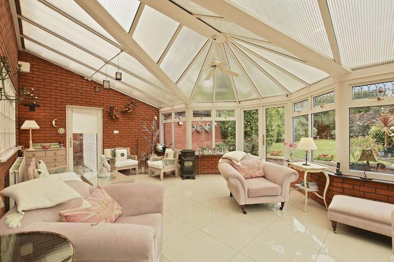 4 Bedrooms Detached House for sale in Chalkwell Avenue, Chalkwell