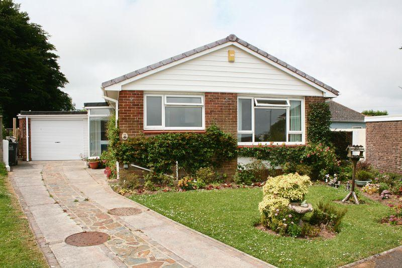 3 Bedrooms Bungalow for sale in Hill Head Park, Brixham