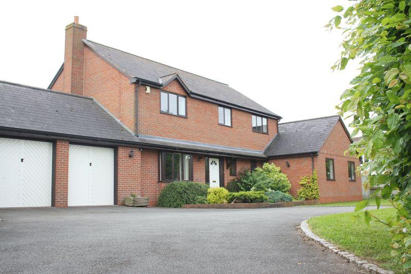 5 Bedrooms Detached House for sale in Worcester Road, Upton Snodsbury