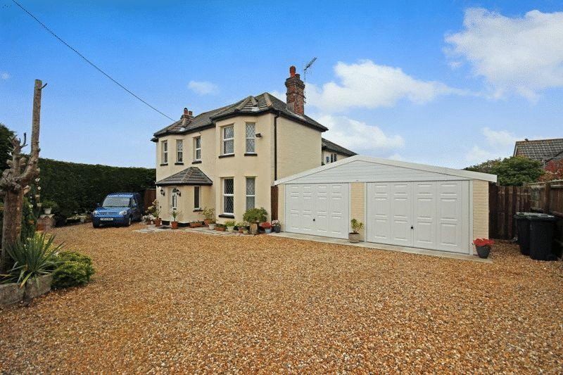 5 Bedrooms Detached House for sale in BURTON CHRISTCHURCH