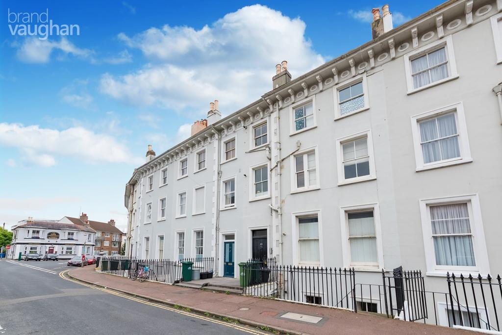 2 Bedrooms Flat for sale in Park Crescent, Brighton, BN2