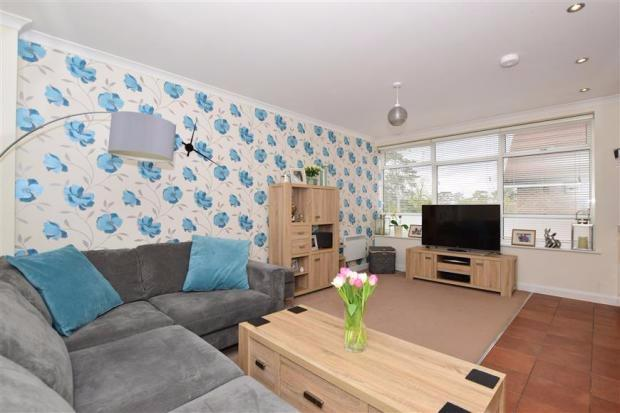 2 Bedrooms Apartment Flat for sale in 73a The Street, Ashtead, KT21
