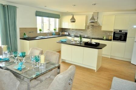 4 Bedrooms Detached House for sale in Sedgley Gardens, Sedgley Road, Tipton