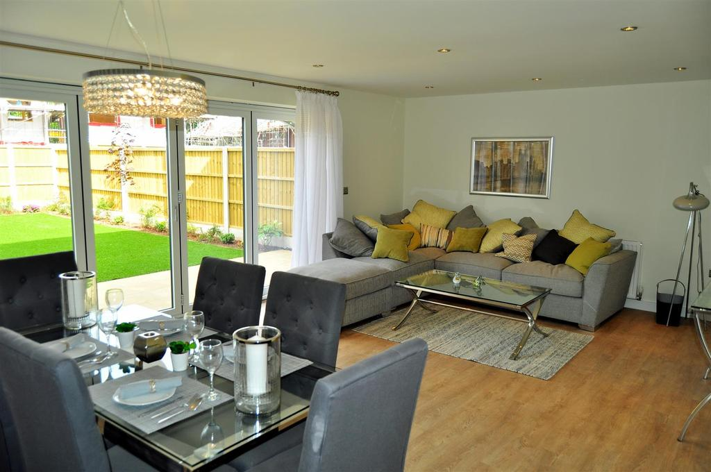 4 Bedrooms Detached House for sale in Sedgley Gardens, Oaksherd Mews, Tipton