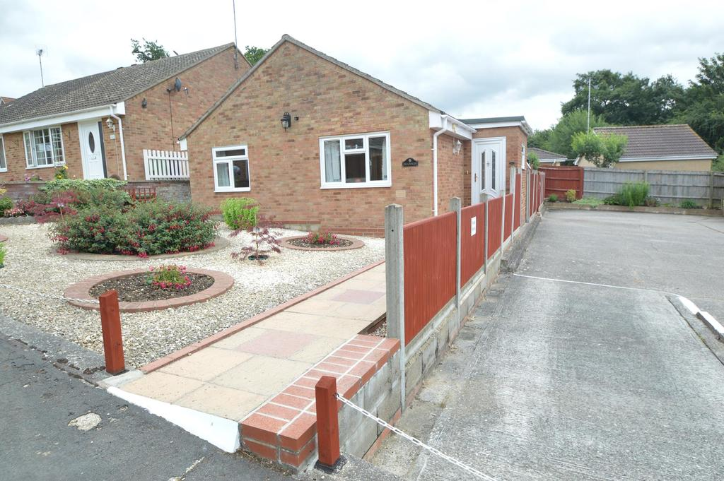 2 Bedrooms Detached Bungalow for sale in Nether Court, Halstead CO9