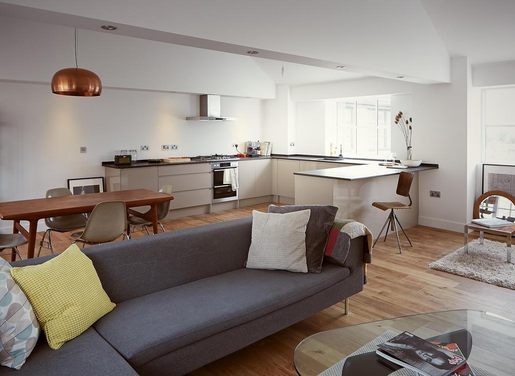 2 Bedrooms Apartment Flat for sale in The Old Glove Factory, Ladywell