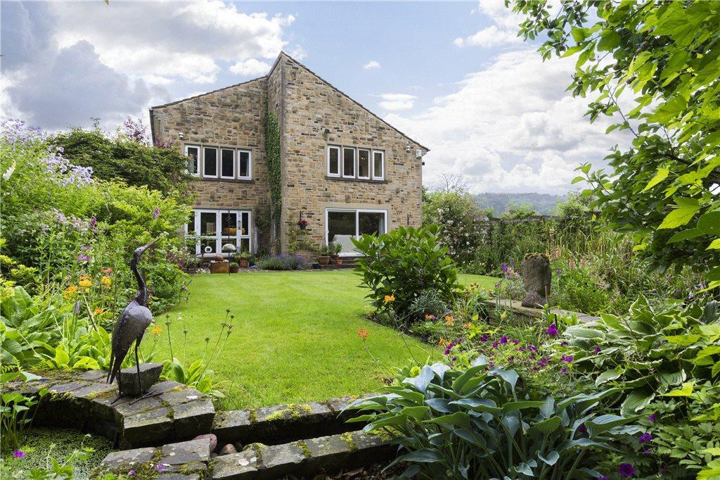 5 Bedrooms Detached House for sale in Castle Grove, Harden, Bingley, West Yorkshire