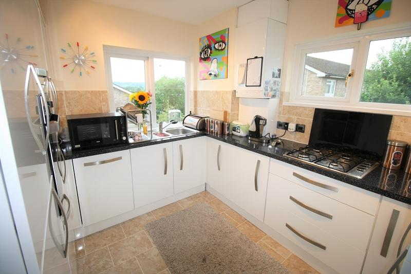 3 Bedrooms Apartment Flat for sale in Quarry Close, Fairwater, Cardiff, CF5 3HD
