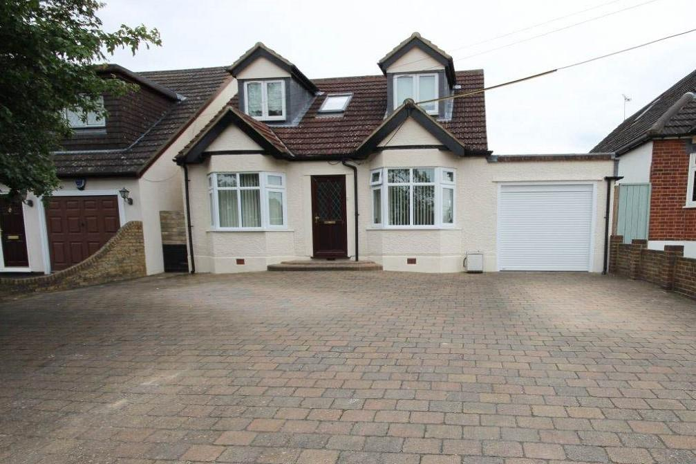 4 Bedrooms Bungalow for sale in Weald Bridge Road, CM16